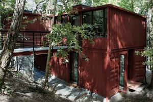6-oaks-house